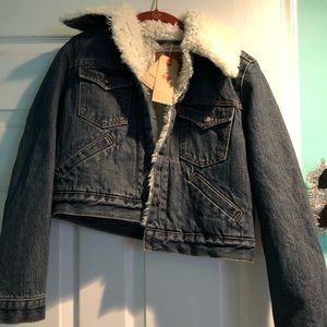 NEW!!!! Levi's Sherpa Trucker Jean Jacket